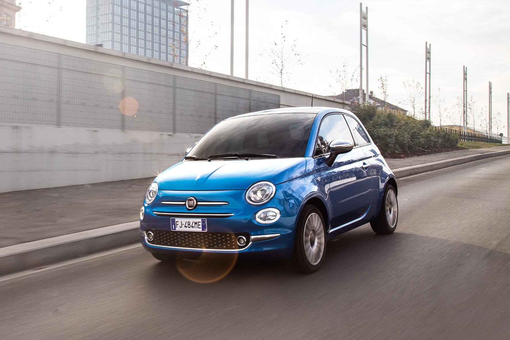 mid Frankfurt am Main - Testfahrt mit dem kleinsten Mitglied der neuen Mirror-Familie von Fiat: dem 500 Mirror. FCA