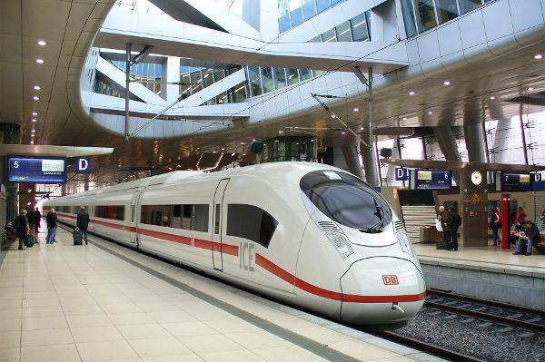 mid Groß-Gerau - Die Bahn ist für die meisten Berufspendler keine Alternative zum Auto. Deutsche Bahn