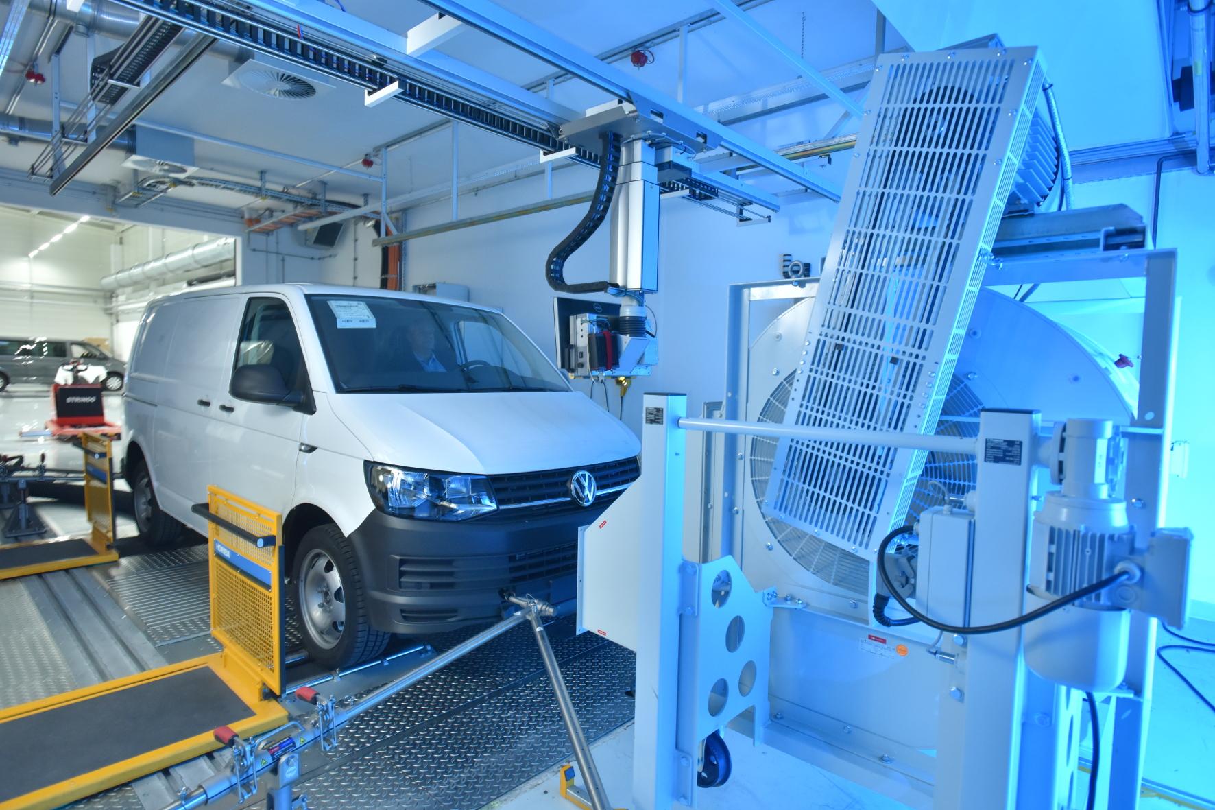 mid Groß-Gerau - Es geht um die Luft: Volkswagen Nutzfahrzeuge hat sechs Millionen Euro in ein neues Abgasprüfzentrum investiert. Volkswagen