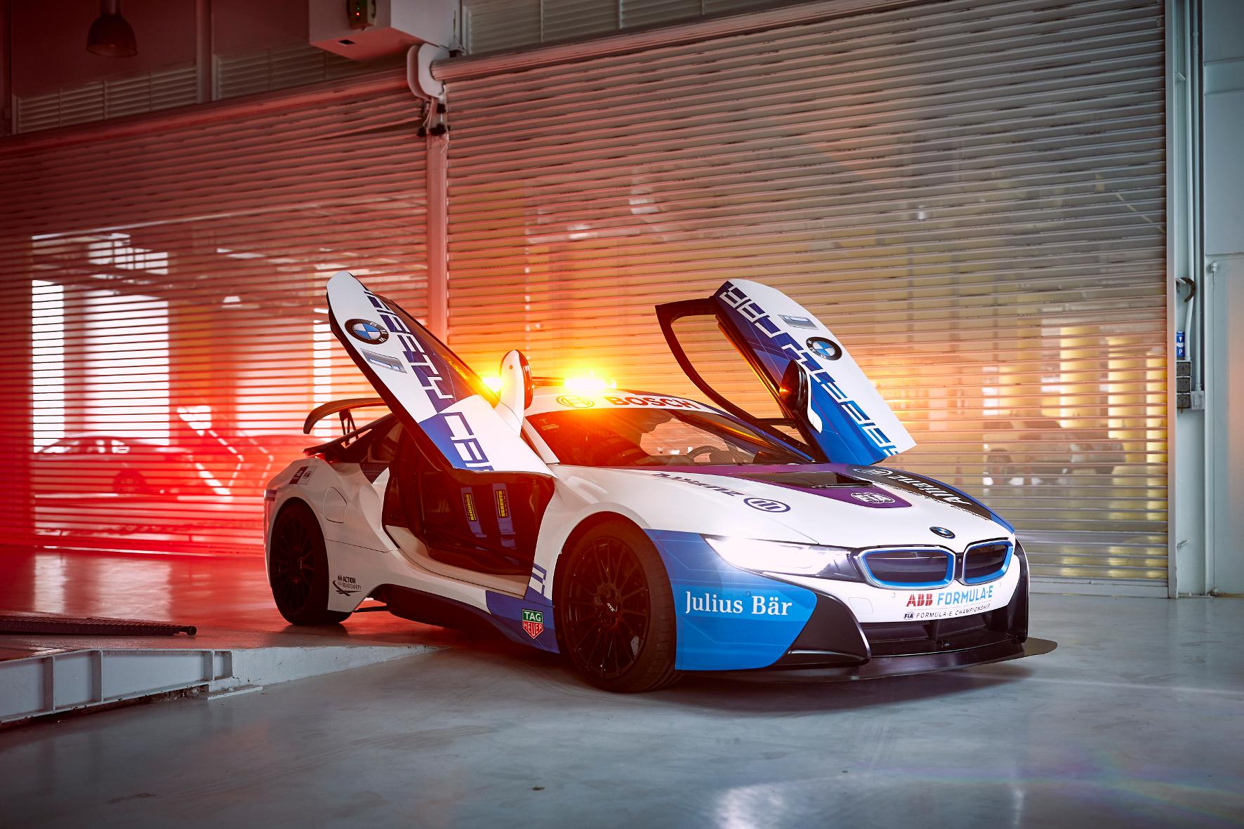 mid Groß-Gerau - Das Safety Car spielt im Motorsport eine wichtige Rolle. In der Formel E kommt ein BMW i8 zum Sicherheits-Einsatz. BMW