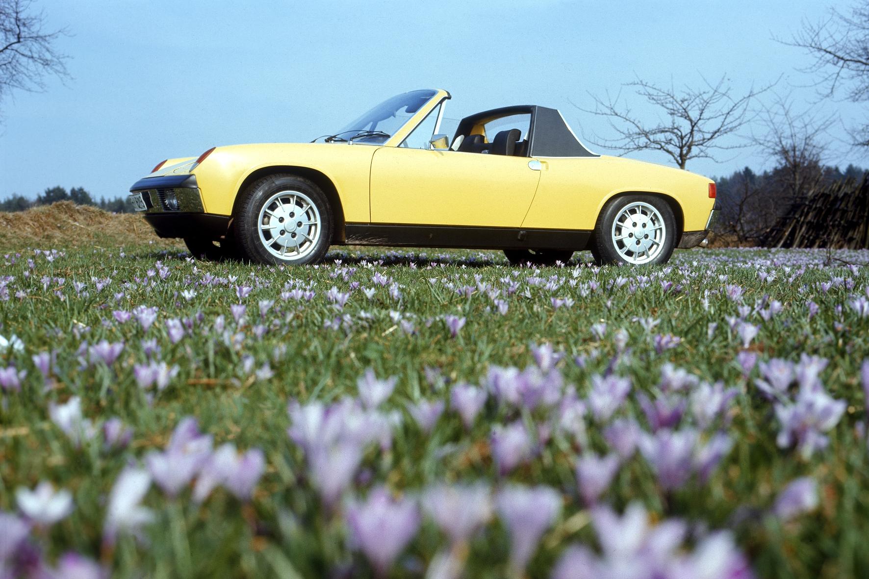 mid Groß-Gerau - Vielen Dank für die Blumen. Und für eine Design-Ikone der späten 1960er. Der VW-Porsche 914, der von 1969 bis 1976 gebaut wurde. Porsche
