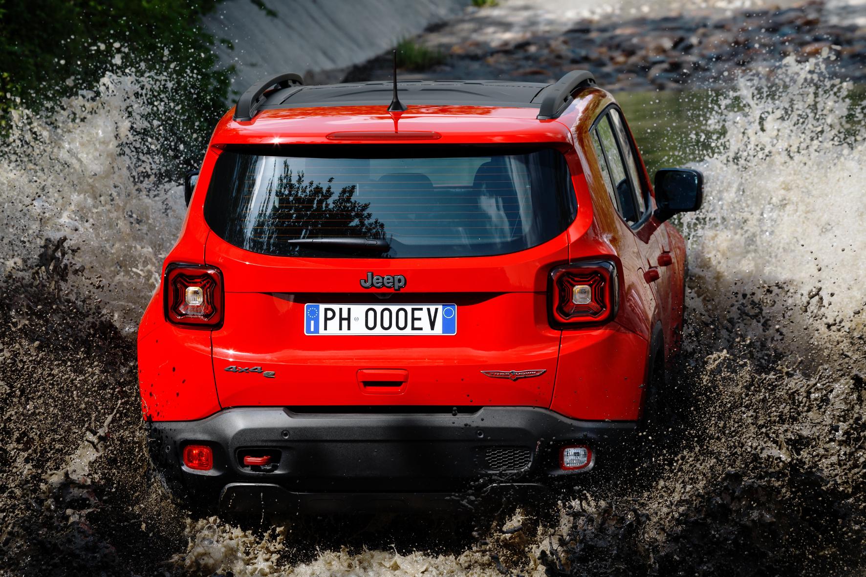 mid Groß-Gerau - Jetzt auch mit Plug-in-Hybrid: der Jeep Renegade. FCA