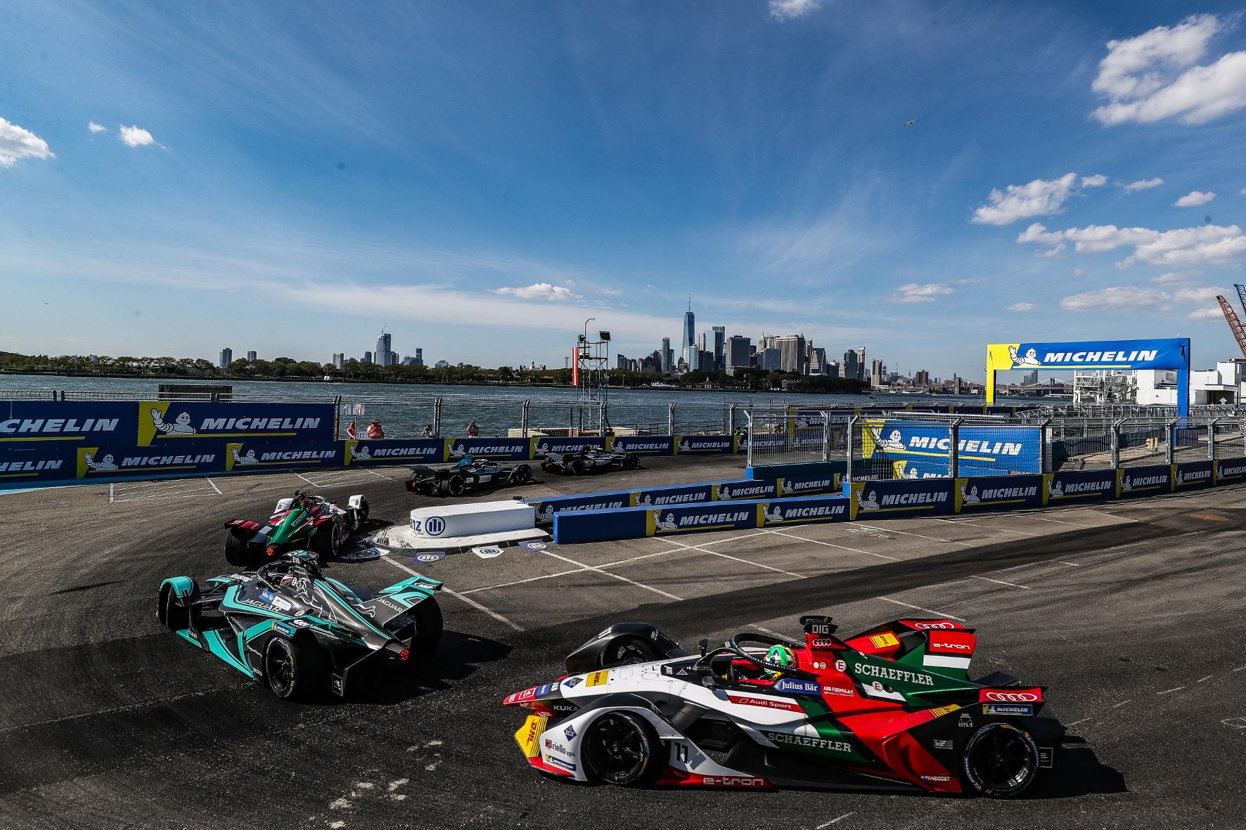 mid Groß-Gerau - Malerische Kulisse: Die Formel E bestreitet ihr Saisonfinale 2019 in New York. Audi