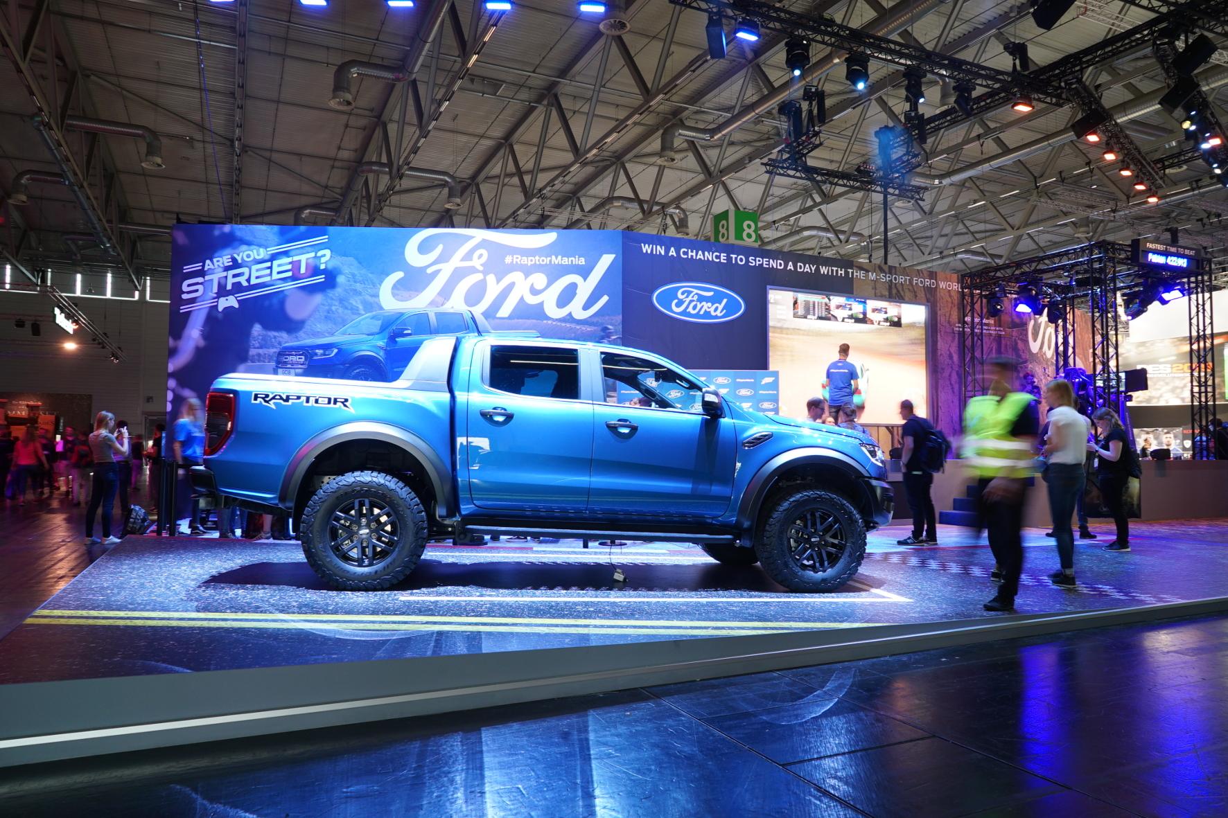 mid Groß-Gerau - Autobauer Ford hat auf der Computerspiele-Messe Gamescom einen eigenen Stand. Ford