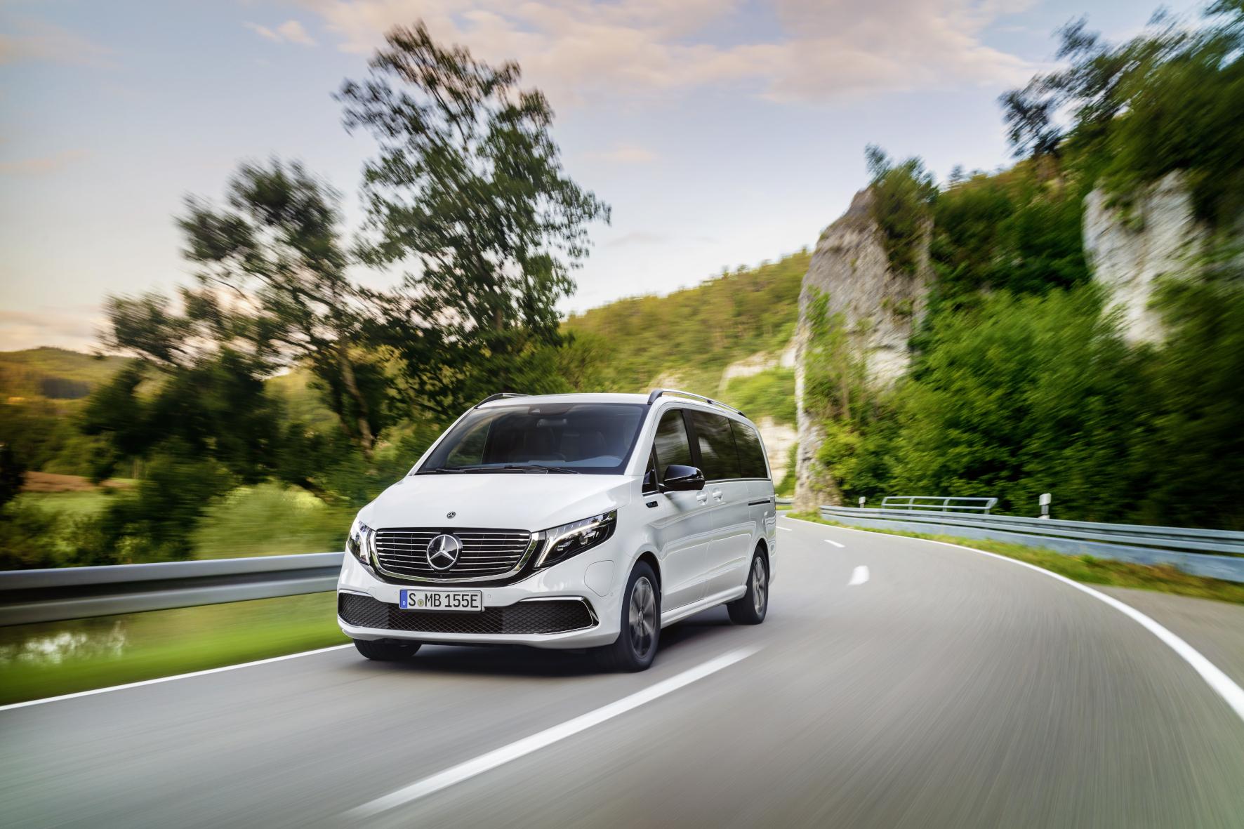 mid Stuttgart - Der vollelektrische EQV komplettiert ab Mitte 2020 die V-Klasse-Familie. Daimler