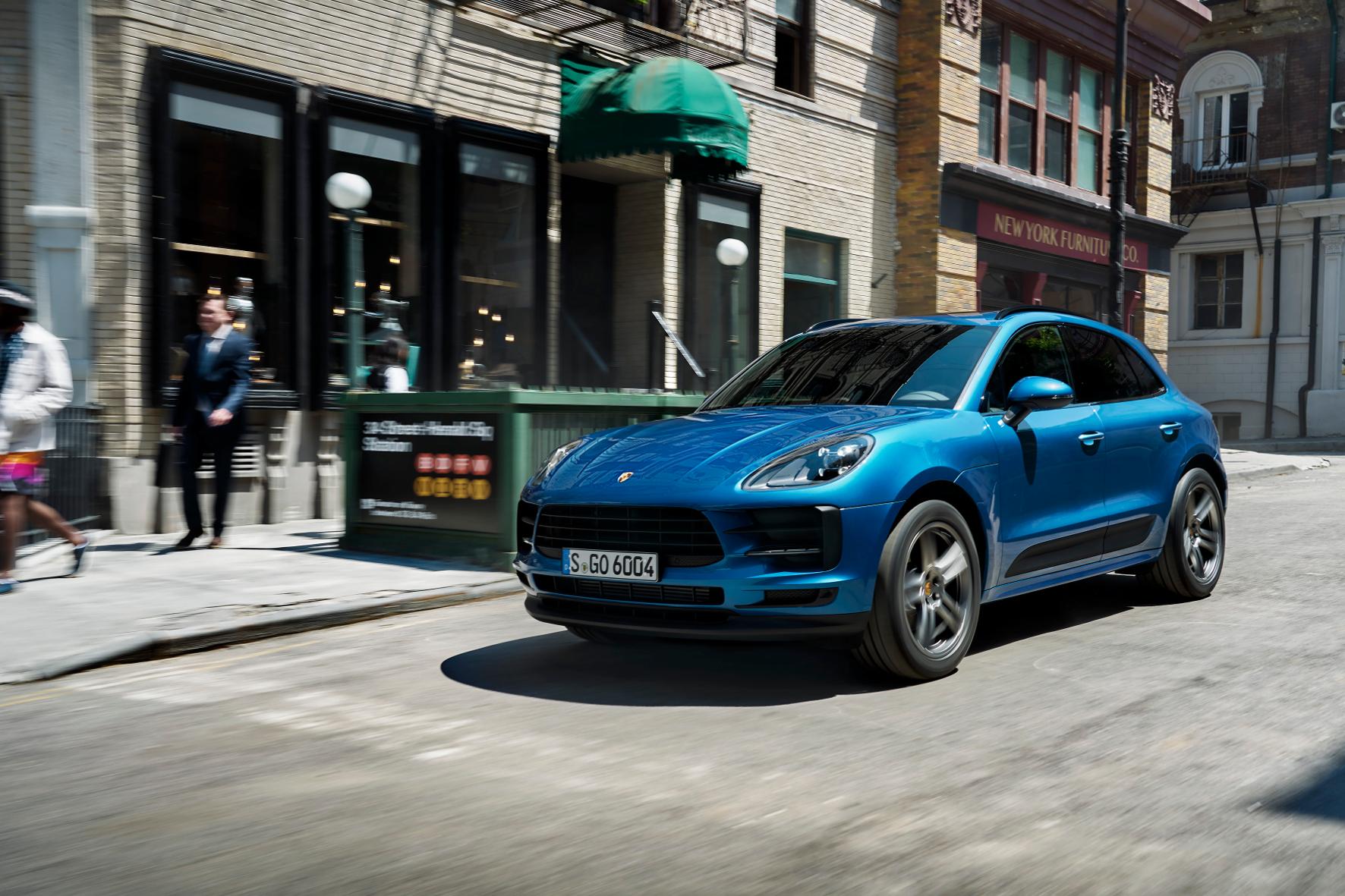 mid Groß-Gerau - Kritiker fordern die Rote Karte für SUVs in den deutschen Innenstädten. Porsche