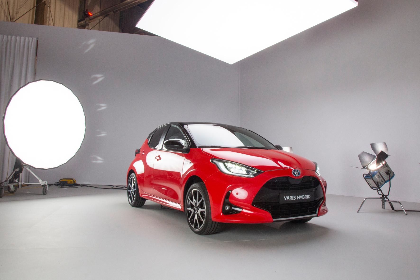 mid Amsterdam - Verglichen mit dem zahmen Vorgängermodell schaut der neue Yaris geradezu angriffslustig in die Welt. Toyota