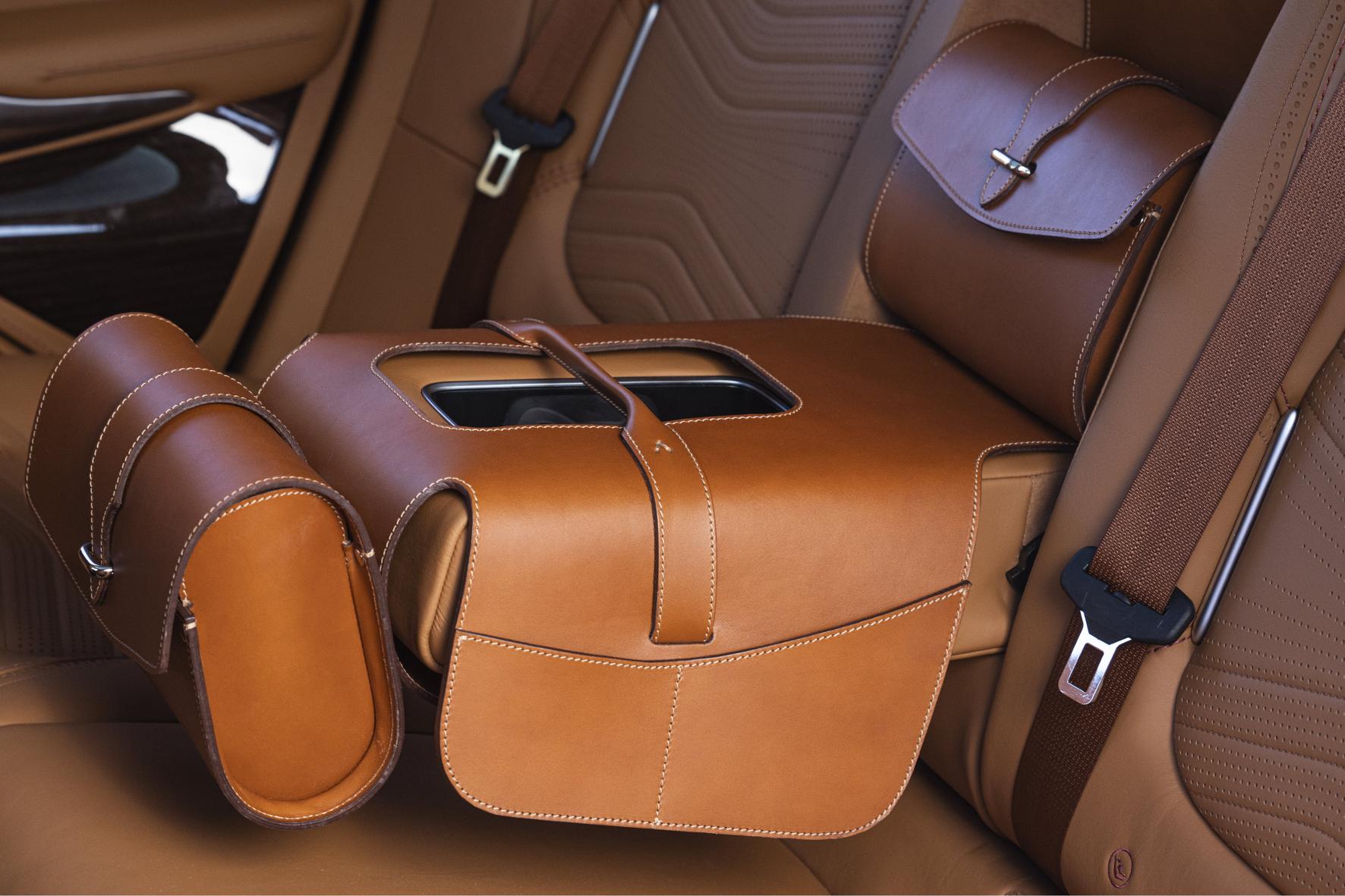 mid Groß-Gerau - Vom Feinsten: die Satteltaschen für den Aston Martin DBX. Aston Martin