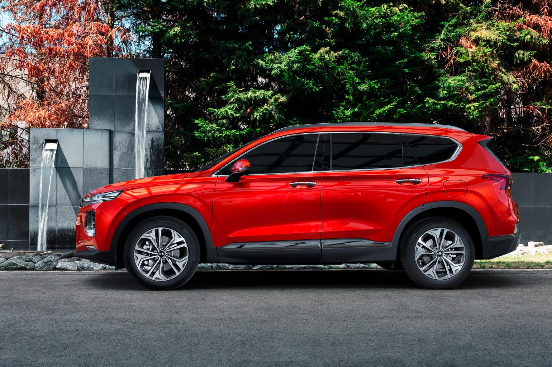 mid Groß-Gerau - Beim Kauf eines Santa Fe lassen die gesparten 6.000 Euro Raum für zusätzliche Weihnachtsgeschenke. Hyundai