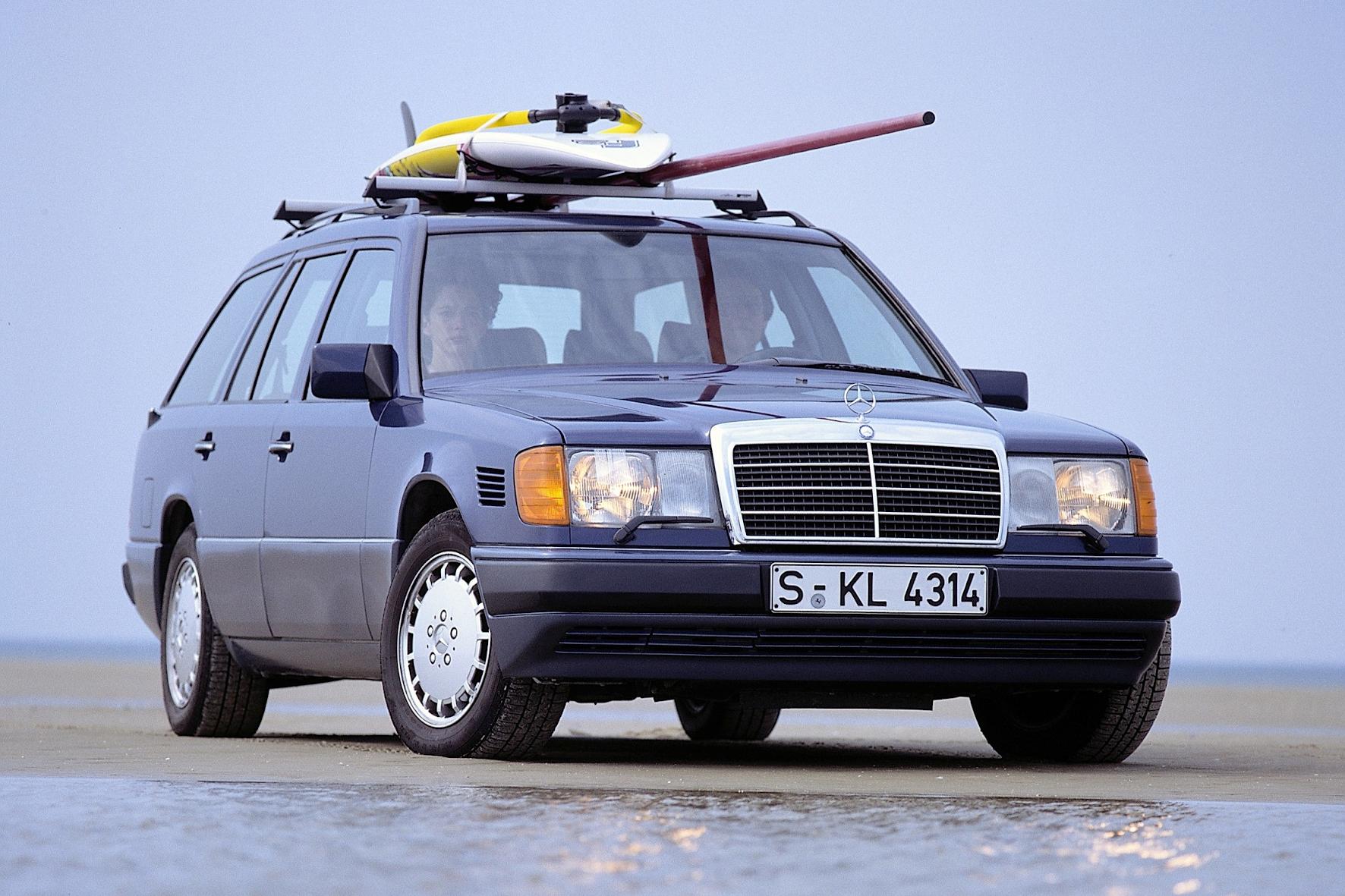 mid Groß-Gerau - Ein Mercedes-Benz T-Modell der Baureihe 124. Ab 1990 wird der 250 TD für den Export nach Italien produziert. Daimler