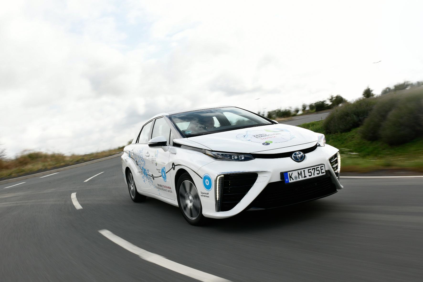 mid Groß-Gerau - Der Toyota Mirai ist das meistproduzierte Brennstoffzellen-Fahrzeug der Welt. Toyota