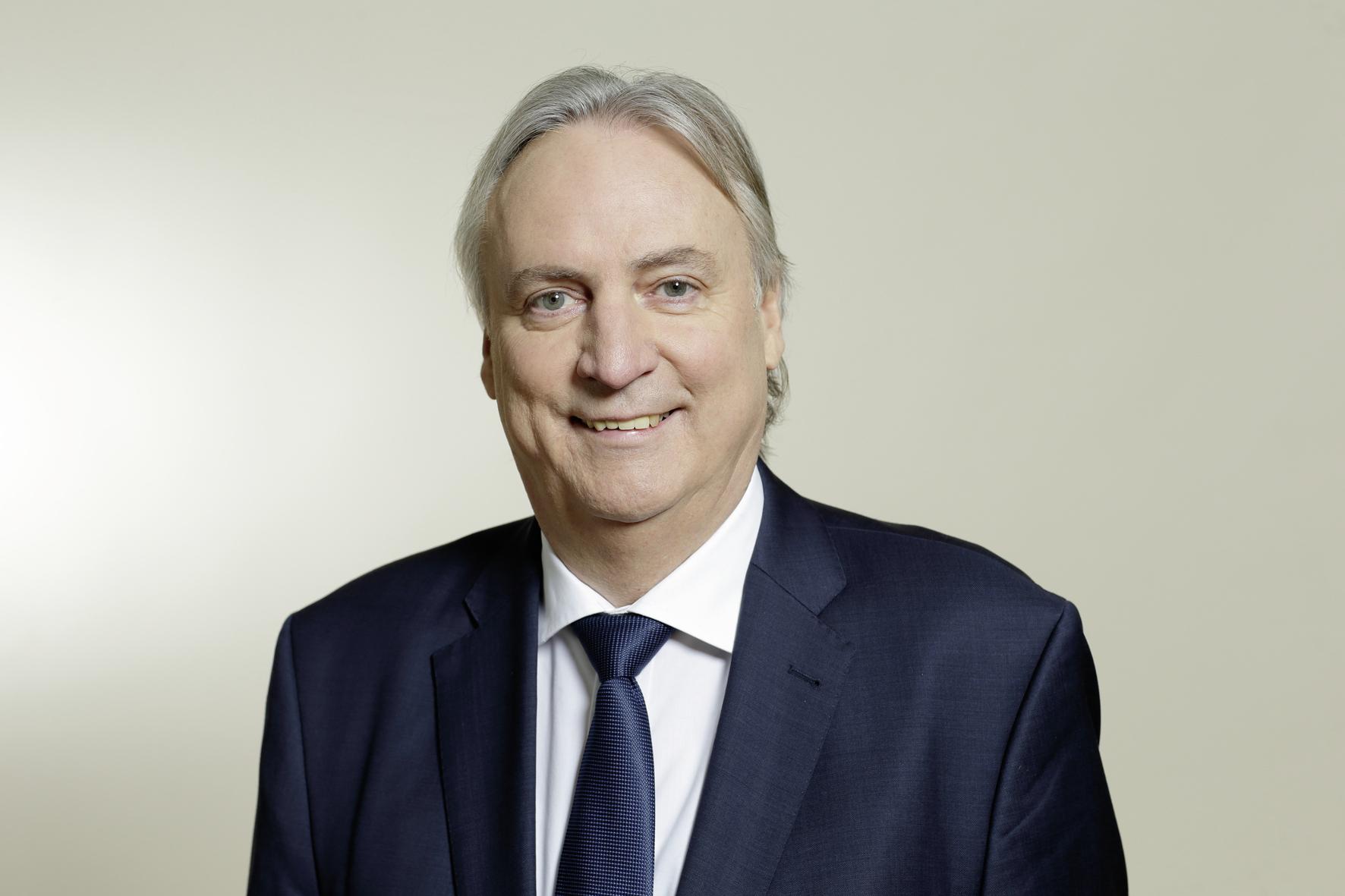 mid Groß-Gerau - Der ehemalige Schaeffler-Vorstand Peter Gutzmer gilt als Vordenker in Sachen Elektromobilität. Schaeffler