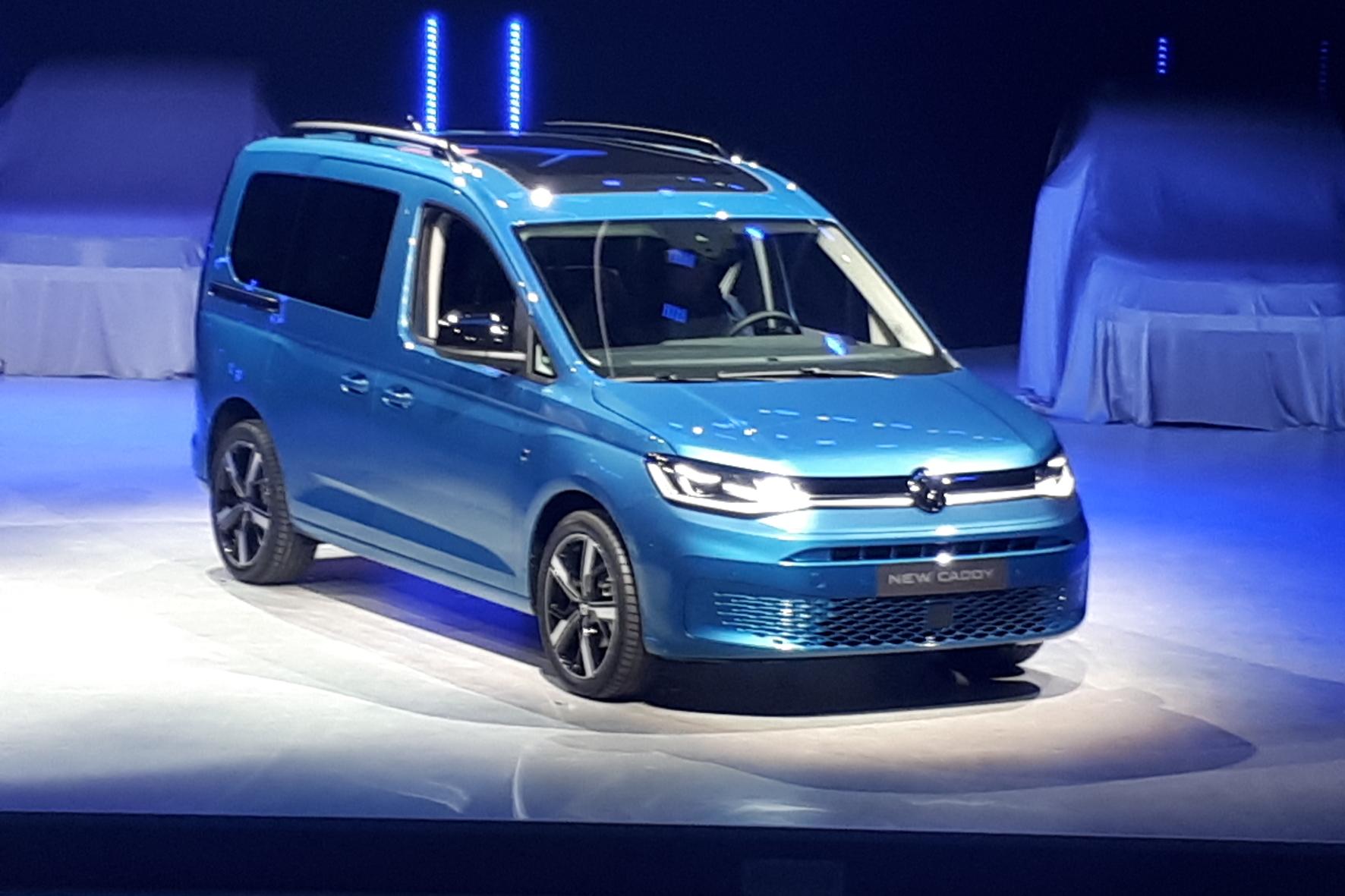 mid Düsseldorf - Blaues Wunder: der neue VW Caddy bei der Weltpremiere in Düsseldorf. Ralf Loweg / mid