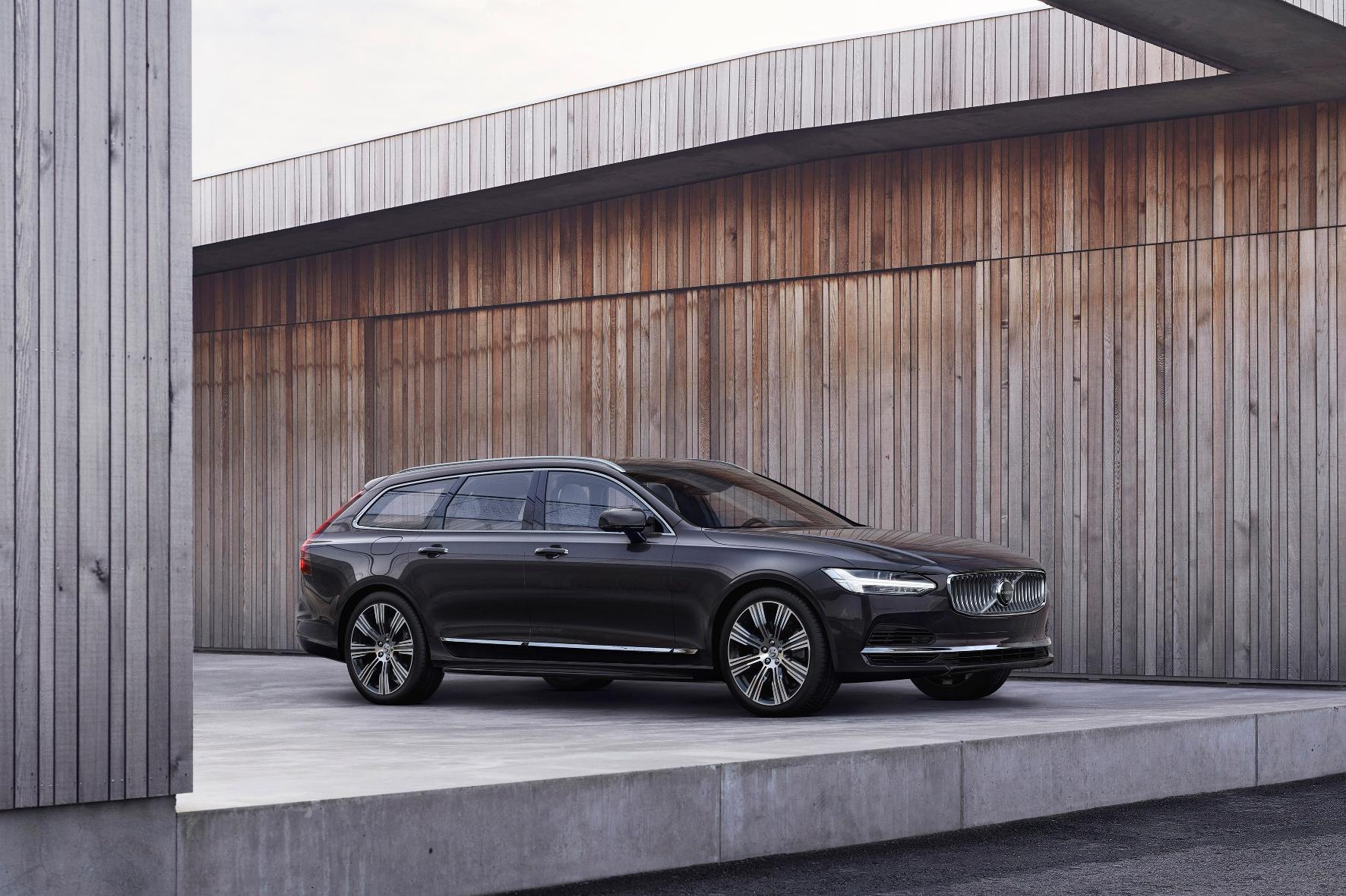mid Groß-Gerau - Der Volvo V90 wird zum Modelljahr 2021 überarbeitet. Volvo