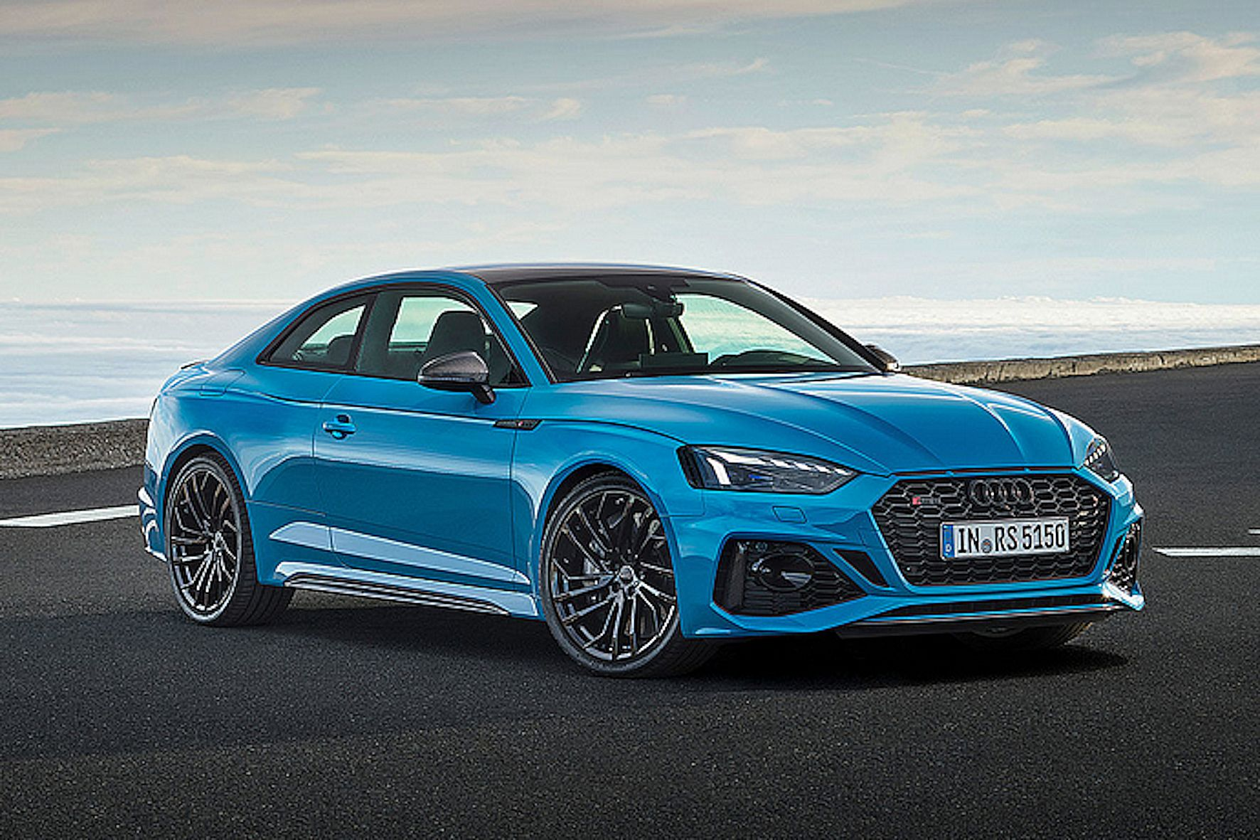 mid Groß-Gerau - Der Audi RS 5 bekommt eine Frischzellenkur. Mit neuem Carbondach ist er um vier Kilo leichter. Audi