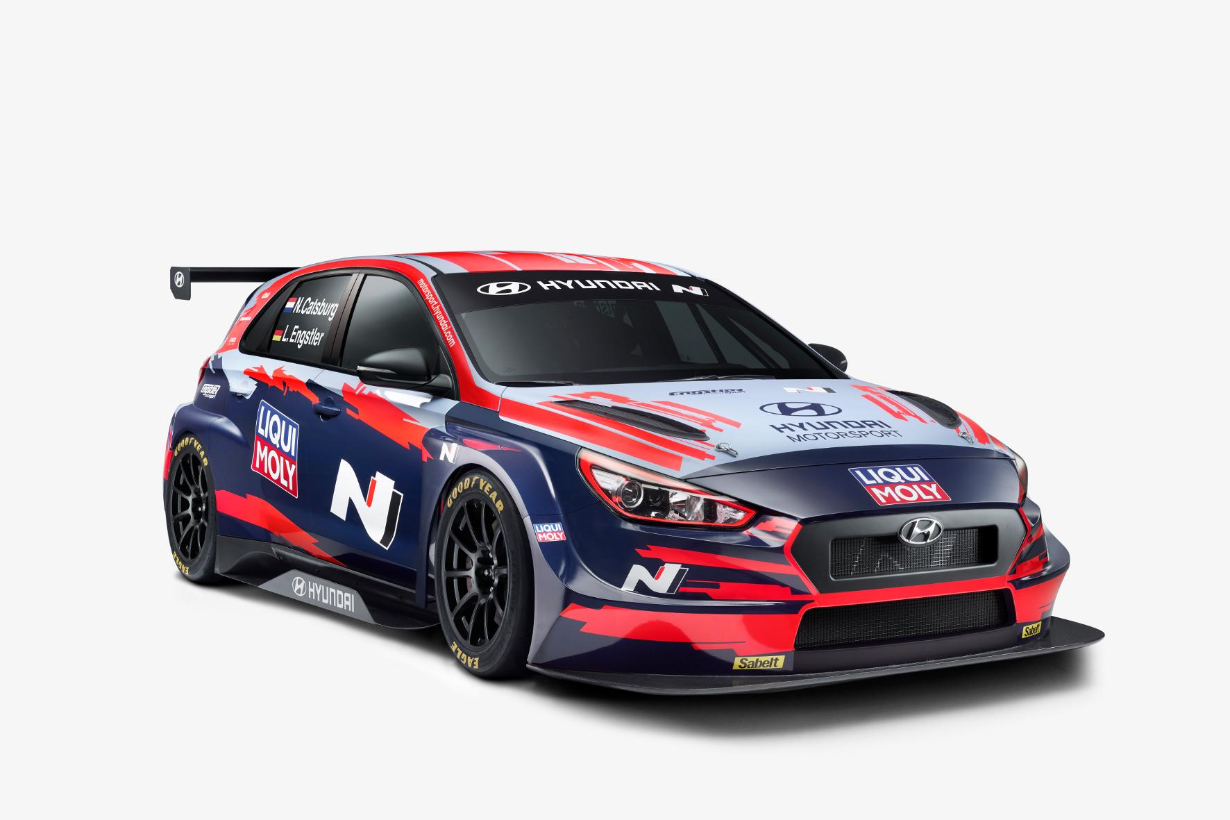 mid Groß-Gerau - Liqui Moly auf der Frontpartie: der Hyundai i30 N TCR für die neue Saison. Liqui Moly