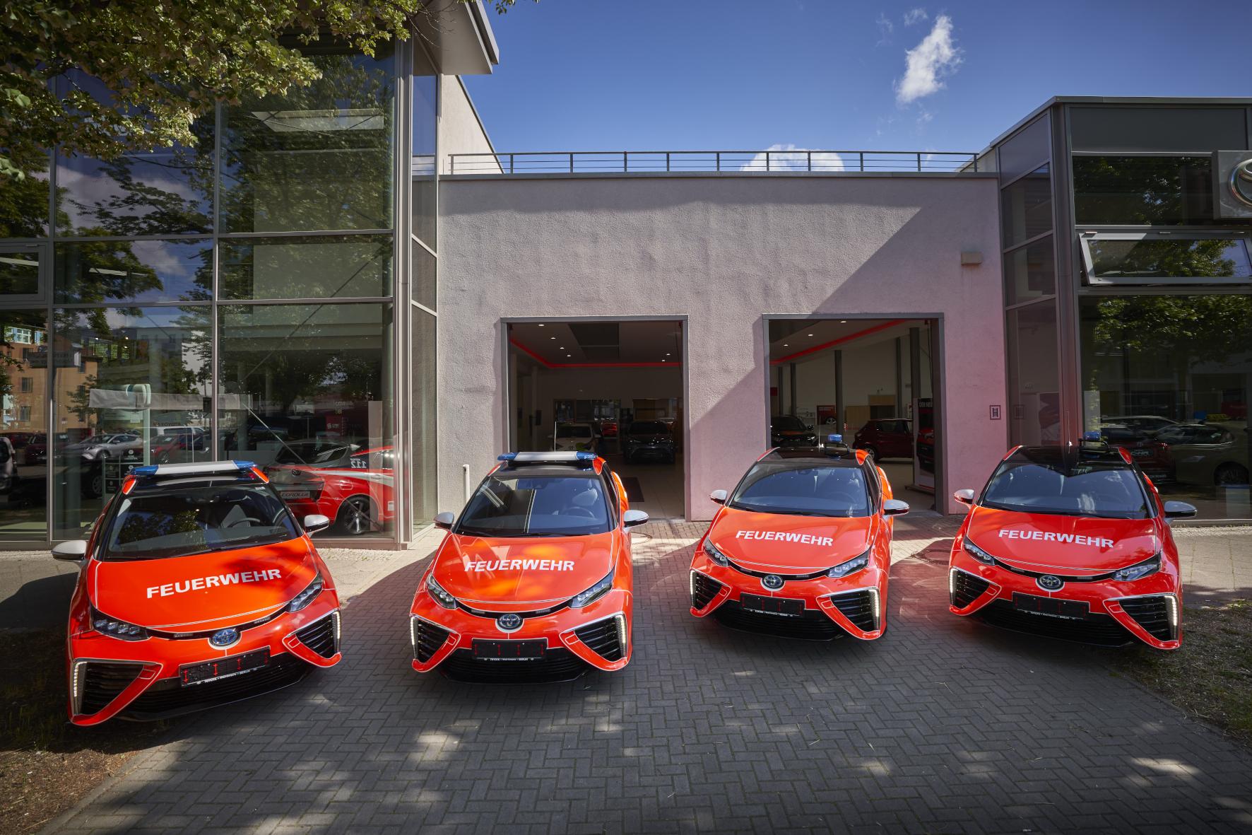 mid Groß-Gerau - Tatütata: Vier Toyota Mirai sind jetzt bei der Berliner Feuerwehr im Einsatz. Toyota
